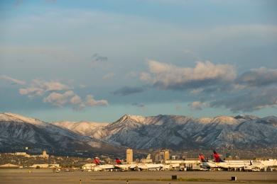 Delta plane on ground with mountains in background 7 (Maziarz)